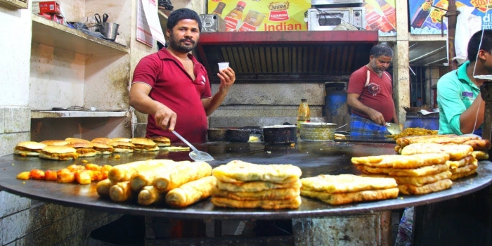 Famous Street Foods of India You Must Try
