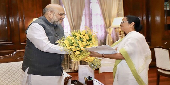 Mamata Banerjee Meets Amit Shah, Raises Issue of Genuine Voters Missing from NRC
