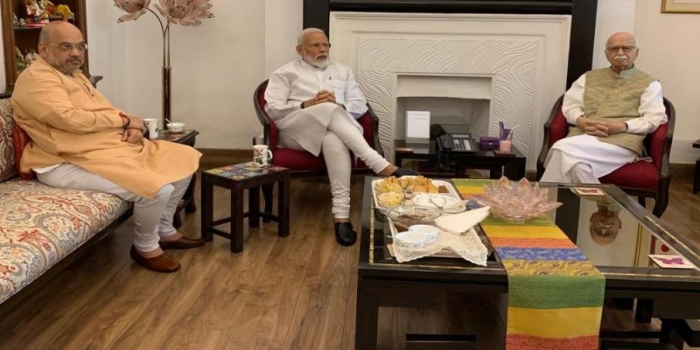 Modi Meets His Guru and Mentor After Historic Re-election, Took Blessings