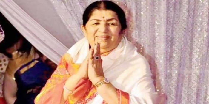 The Nightingale of India Lata Mangeshkar to Be Honoured with 'Daughter of the Nation' on 90th Birthday